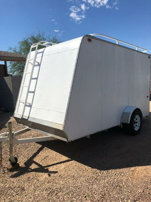 6 x 12 enclosed trailer- ELECTRIC BRAKES for Sale in Mesa, AZ