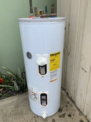 Free 30 gallon water heater for recycle and some copper. I still have it. 4th ave N & i95. Lake worth for Sale in Lake Worth, FL