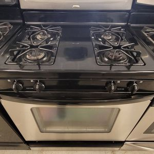 Whirlpool Gas Stove Used In Good Condition With 90day's Warranty for Sale in Washington, DC