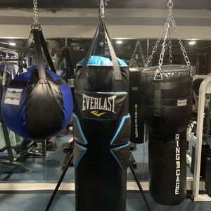 5 Station Boxing Stand- 3 Types Of Bags And Gloves for Sale in Medford, NY