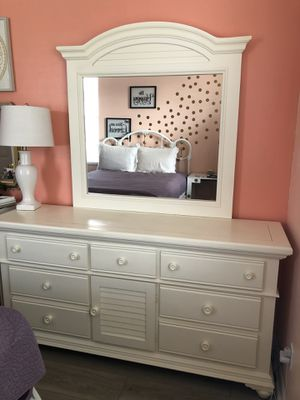 Dresser for Sale in Fort Myers Beach, FL