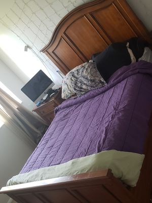 Bed Frame and nightstand for Sale in Pompano Beach, FL