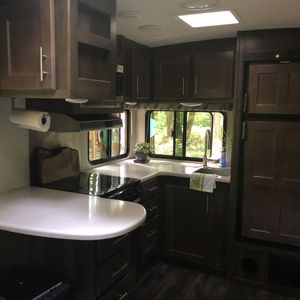 28' 2018 Wildcat travel trailer for Sale in Portland, OR