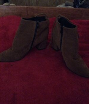 Light brown heels, 1 inch, cute, trendy for Sale in Oak Grove, OR