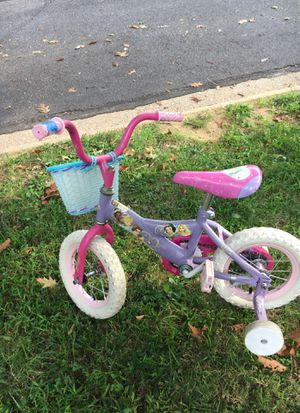 Kids bike with training wheels for Sale in North Bethesda, MD