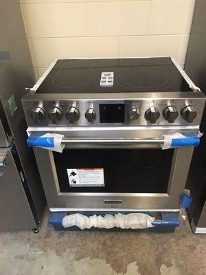 Frigidaire professional series slide in stove for Sale in Orlando, FL