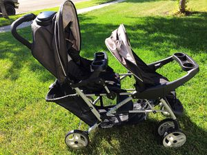 Graco double stroller for Sale in Moorhead, MN