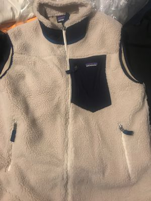 Brand new men's Patagonia vest for Sale in Paulsboro, NJ