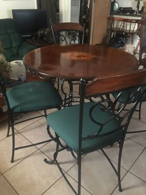 Dining table for Sale in San Fernando, CA