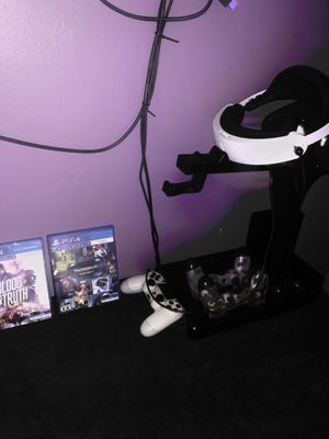 Play station vr/ 2 vr games/ PS4 NOT INCLUDED for Sale in Tustin, CA