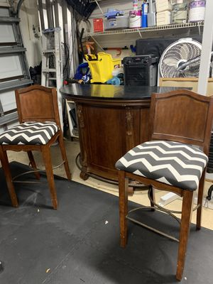 Wood bar with Black Quarts top for Sale in Coral Springs, FL