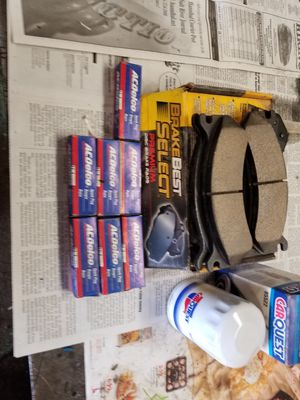 2000 chevy Silverado brakes and filter for Sale in Hannibal, MO