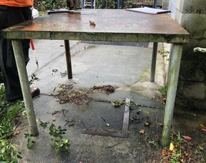 Metal Shop Table Work Bench for Sale in Queens, NY