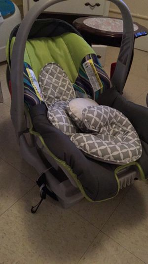 Infant car seat for Sale in Picayune, MS