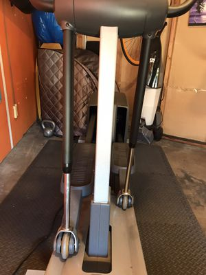Excellent Condition Reebok RL 900 Elliptical Fully Fuctioning for Sale in Spring Valley, CA