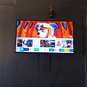 43 Inch Samsung Smart Tv for Sale in Moreno Valley, CA