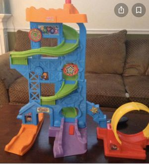 Fisher price little people large car garage! for Sale in Savannah, GA