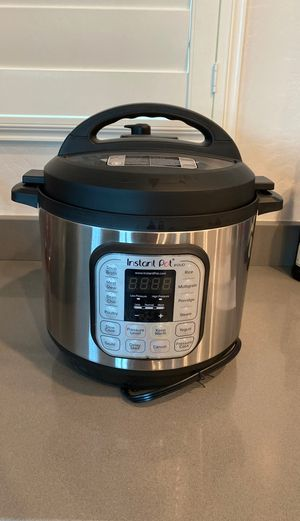 Instant Pot (8quarts) for Sale in Chandler, AZ