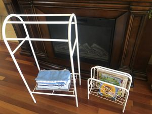 Towel & Magazine Rack for Sale in North Las Vegas, NV
