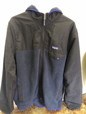 Patagonia Mens Jacket Size LARGE for Sale in Oakton, VA