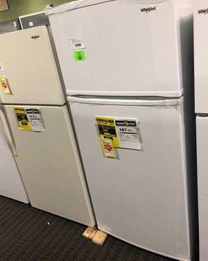 Whirlpool Refrigerator 4H for Sale in Irving, TX