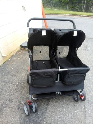 Pet stroller double for Sale in Hyattsville, MD