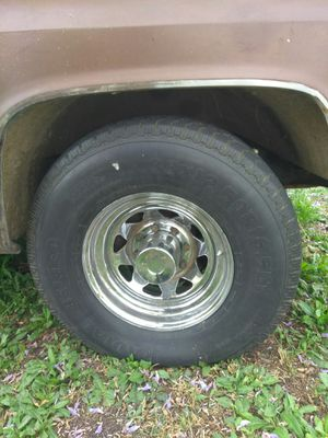8 lug truck rims for Sale in Los Angeles, CA