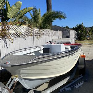 Starcraft 18 Ft Center Console Fishing Boat With Trailer for Sale in San Diego, CA
