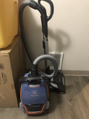 Electrolux vacuum for Sale in Olympia, WA