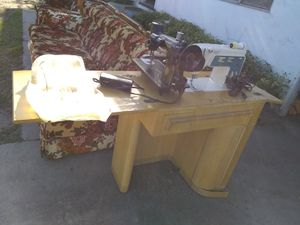 Sewing machine with all parts to it for Sale in Lodi, CA