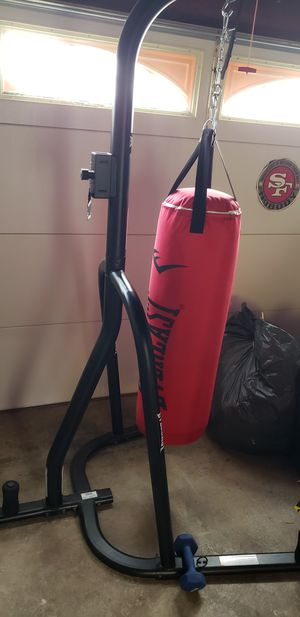 Everlast stand n bag plus more for Sale in Pacifica, CA