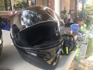 Motorcycle helmet & gloves for Sale in Parlier, CA