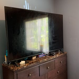TCL 65 In. Roku Tv 2019 Class 5 for Sale in Miami, FL
