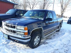 95 Chevy k1500 4X4 for Sale in Oskaloosa, IA