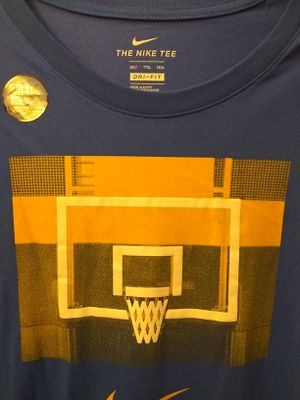 New Nike men's t-shirt 2xl for Sale in Baldwin Park, CA