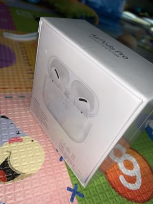 Apple AirPods Pro AppleModel: MWP22AM/A with wireless charging case Walmart # 577856461 for Sale in Chicago, IL