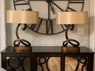 "Set Of Two Modern Contenporery Disign Oval Lamps !!!20"" W 24"" T for Sale in Vancouver,  WA"