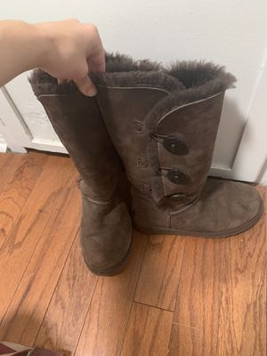 Brown Button Ugg Boots Size 7 for Sale in Albuquerque, NM