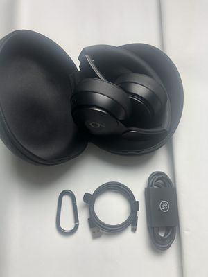 Beats Solo Pro Black Matte Collection for Sale in Los Angeles, CA