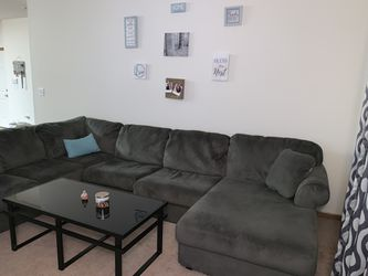 Sectional couch for Sale in CANAL WNCHSTR,  OH