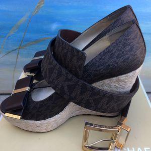 Michael Kors Meg Brown High Heels (Size 8M) w/ Matching Belt for Sale in Bellflower, CA