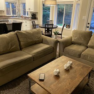 Couch and Loveseat for Sale in Happy Valley, OR