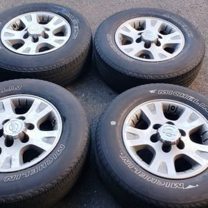 Alumium Rimz w/ Michelin Tires for Sale in Tacoma, WA