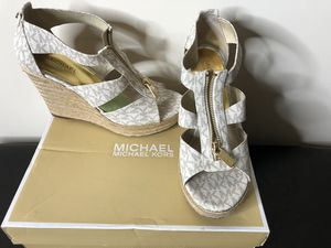 Michael Kors wedge for Sale in Lawrenceville, GA