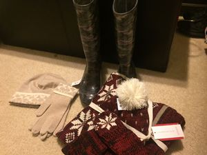 Coach boots, hat and gloves and hat, gloves scarf set for Sale in Garner, NC