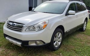 2011 Subaru Outback Limited **CLEAN TITLE** for Sale in Boca Raton, FL