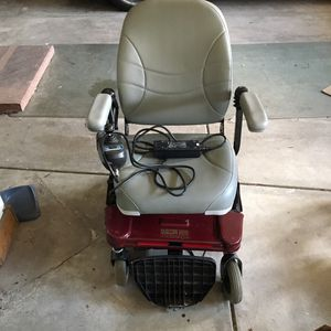 Electric chair for Sale in Lakewood, CO