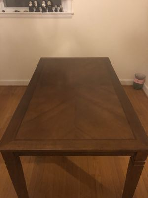 DINING ROOM TABLE w/ CHAIRS for Sale in Burke, VA