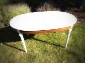 Newly Painted White Antique Table for Sale in Federal Way, WA