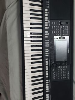 Yamaha Piano PSR-S775 for Sale in Deerfield Beach,  FL